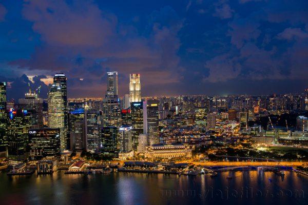 Vistas nocturnas de Marina Sands