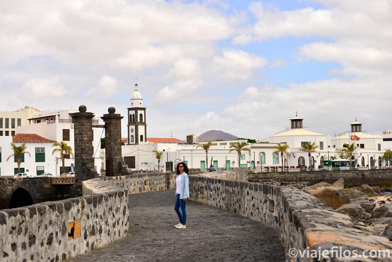 Puente de las Bolas y el castillo de San Gabriel