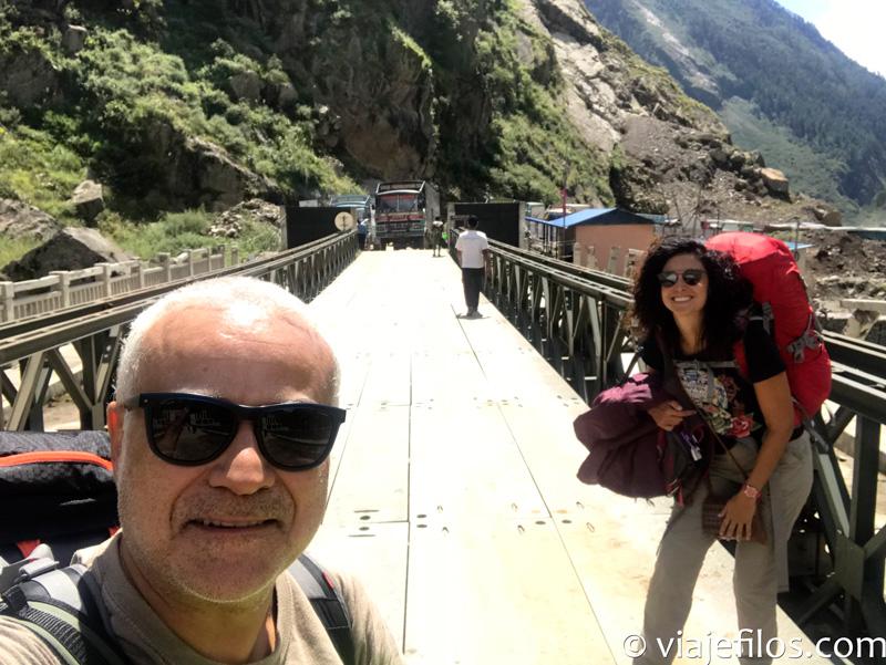 El puente de entrada en Nepal desde Tíbet