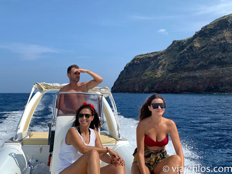 Navegando entre Lípari y Vulcano. Dos días y tres noches en las islas Eolias
