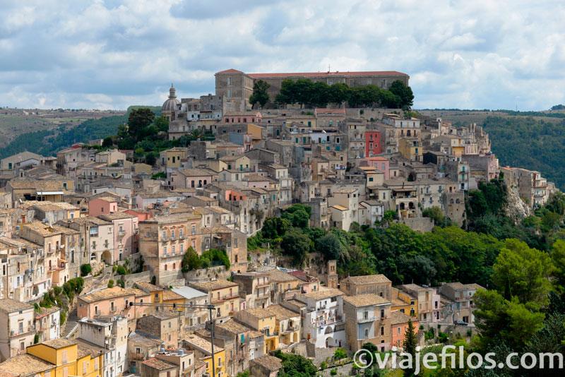 Vistas de Ibla en Ragusa desdeSanta Maria de la Escala