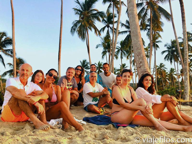 Nuestro último atardecer en grupo, en playa Cosón
