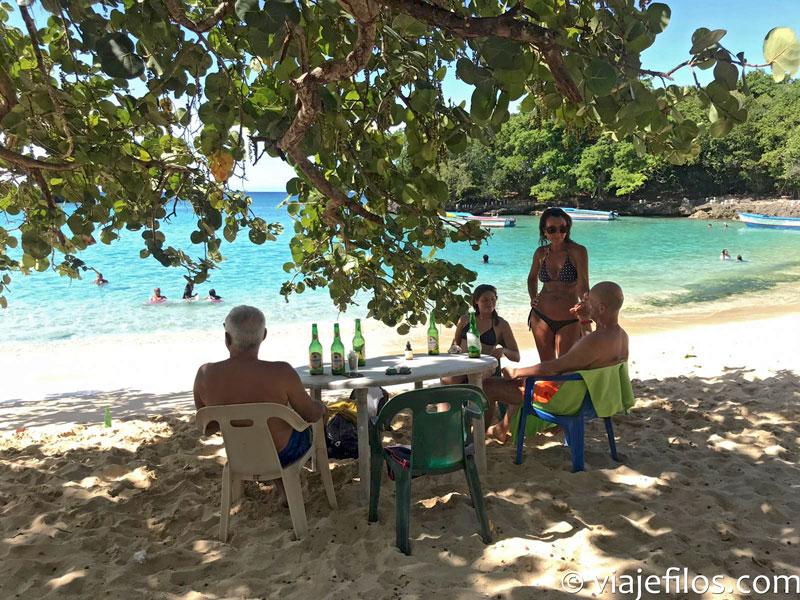 Playa de el Caletón en Dominicana