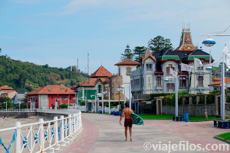 Barrio residencial de la playa Santa Marina de Ribadesella