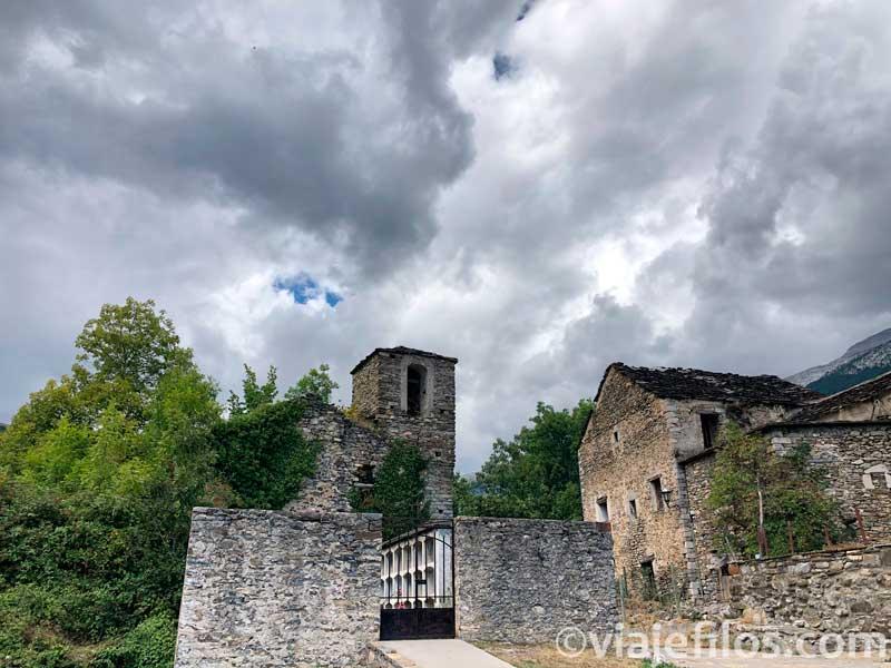El solitario pueblo de Escuain
