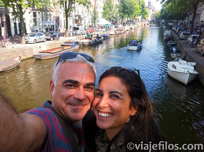 Dormir en un barco en Amsterdam
