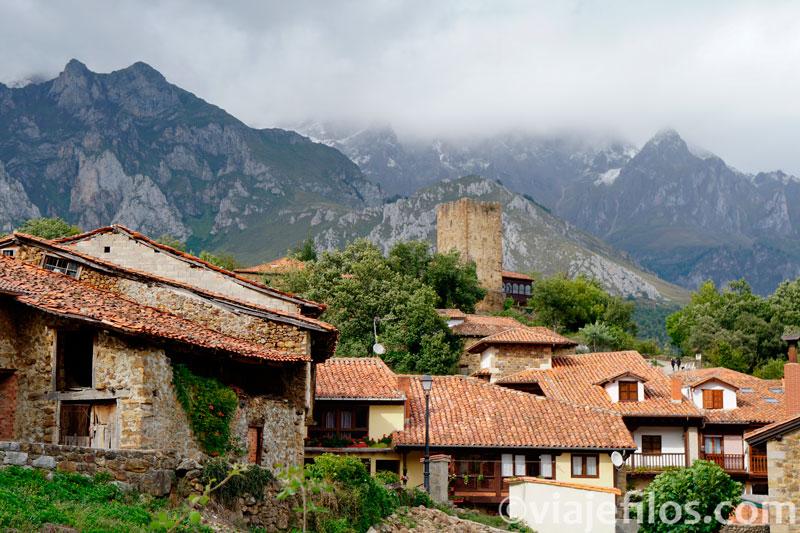 Mogrovejo, un pueblo de cuento a los pies de los Picos de Europa