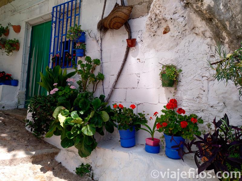 Las calles del pueblo de Ayna
