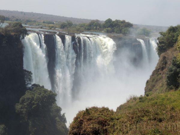 Vista de las Victoria Falls en un viaje por el sur de Africa