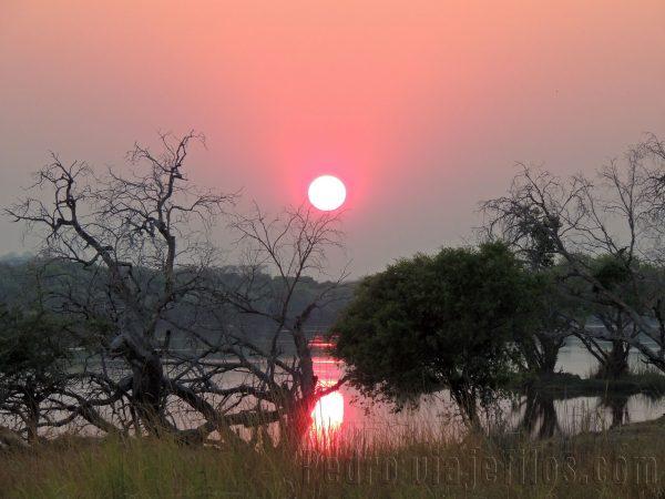 Amanecer en el PN de Chobe