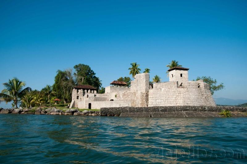 Castillo de San Felipe, en río Dulce de Guatemala
