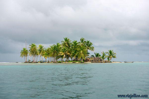 Viajefilos en la Isla del Archipelago de San Blas